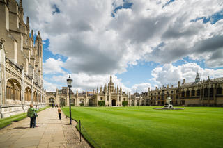 7 Reasons to Learn English in Oxford or Cambridge