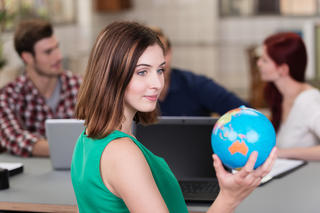 Why Business English Language Courses Mean Career Gold for Global Companies